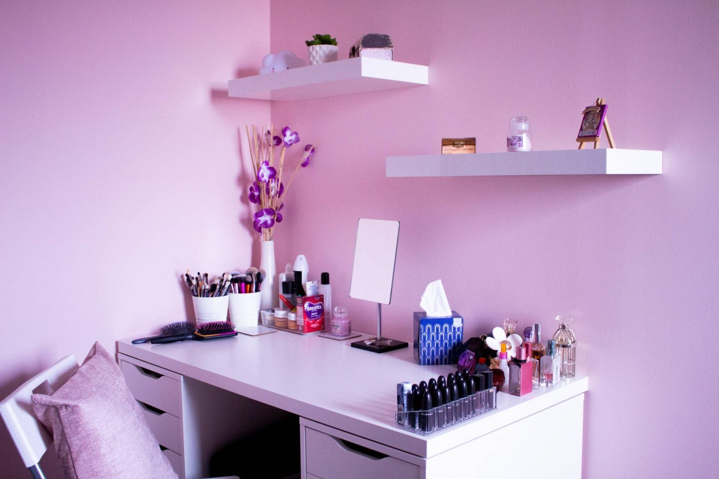 dressing table in pink room
